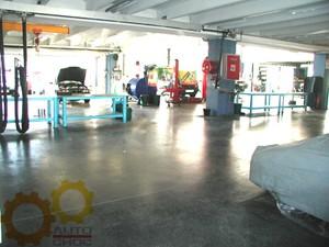 Il y a aussi des pièces détachées de BMW Z8 chez Autochoc